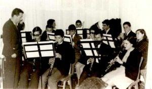 Κατά τη διάρκεια μιας δοκιμής με νέους μουσικούς (μέσα δεκαετίας ΄60-΄70)